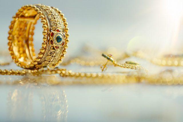 Voici pourquoi il faut revendre ses bijoux et objets en or